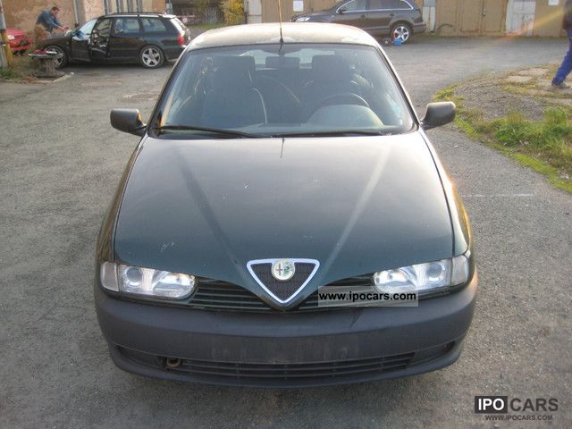 1995 Alfa Romeo  Alfa 145 1.4 L Limousine Used vehicle photo
