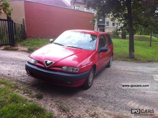 1998 Alfa Romeo  Alfa 145 1.6 Twin Spark Limousine Used vehicle photo