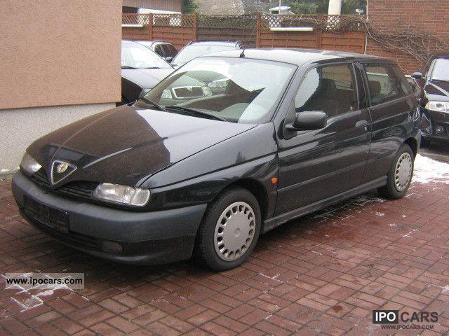 1995 Alfa Romeo  Alfa 146 1.6 + TUV AIR 11/2012 Limousine Used vehicle photo