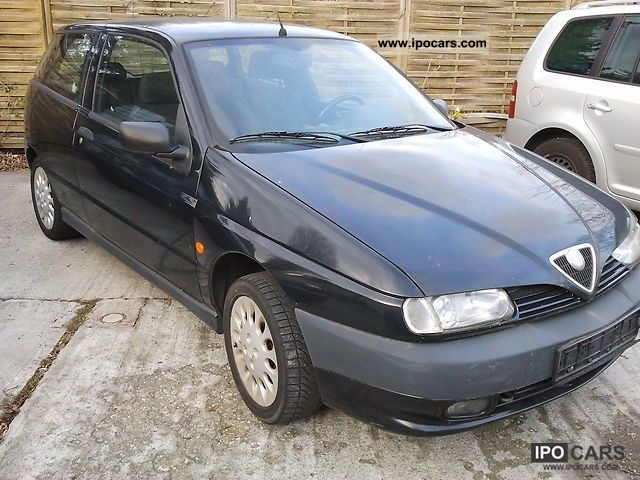 1998 Alfa Romeo  Alfa 145 1.4 Twin Spark Limousine Used vehicle photo