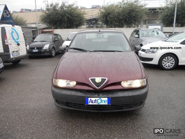 1997 Alfa Romeo  146 1.4i 16v Twin Spark GPL Limousine Used vehicle photo