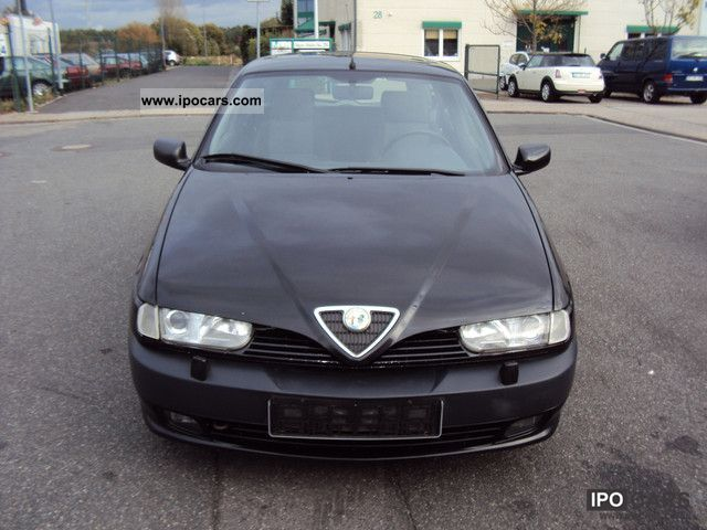 1997 Alfa Romeo  Alfa 145 Quadrifoglio Limousine Used vehicle photo
