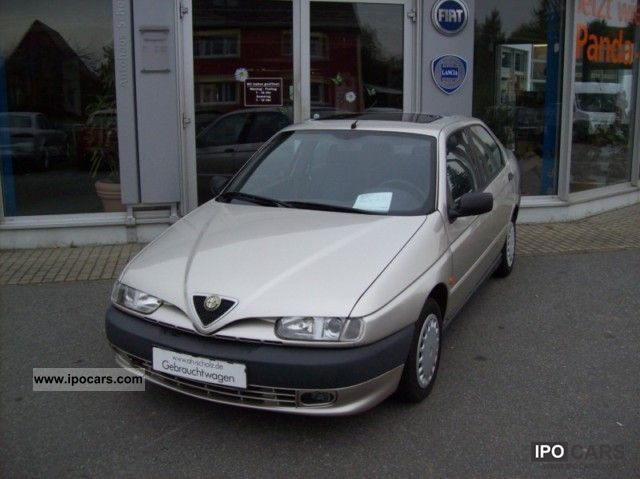 1995 Alfa Romeo  146 1.6 L Limousine Used vehicle 			(business photo