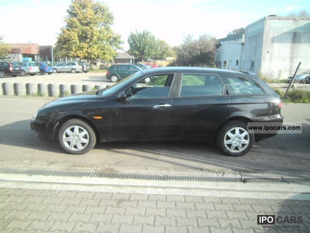 2000 Alfa Romeo  Alfa 156 Sportwagon 1.8 Twin Spark Estate Car Used vehicle photo