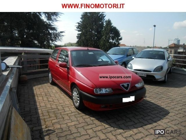 1998 Alfa Romeo  145 1.8i 16V Twin Spark Limousine Used vehicle photo