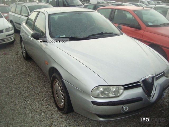 2000 Alfa Romeo  156 1.8i 16v Twin Spark cat Limousine Used vehicle photo