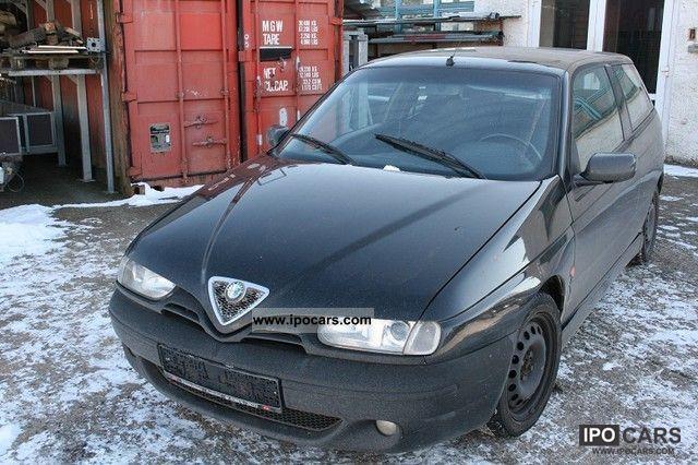 2000 Alfa Romeo  Alfa 145 1.9 JTD Limousine Used vehicle photo