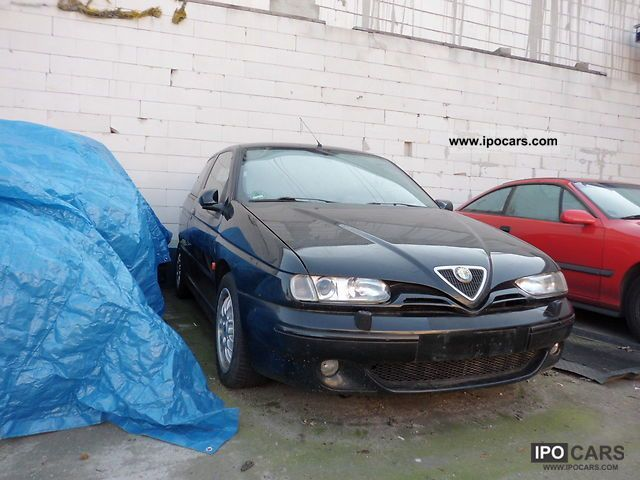2000 Alfa Romeo  Alfa 145 2.0 engine failure Limousine Used vehicle photo
