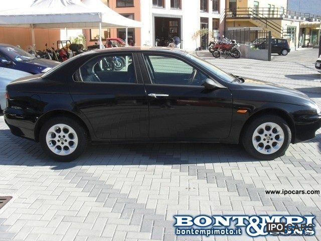 1998 Alfa Romeo  156 1998 169 000 km Limousine Used vehicle photo