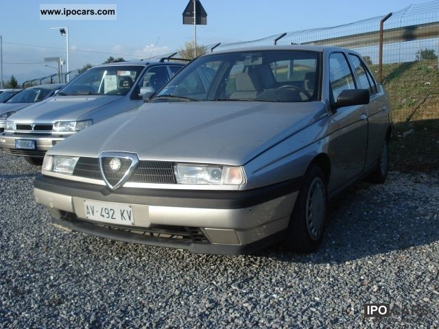 1997 Alfa Romeo  155 1.6i 16v Twin Spark cat Limousine Used vehicle photo