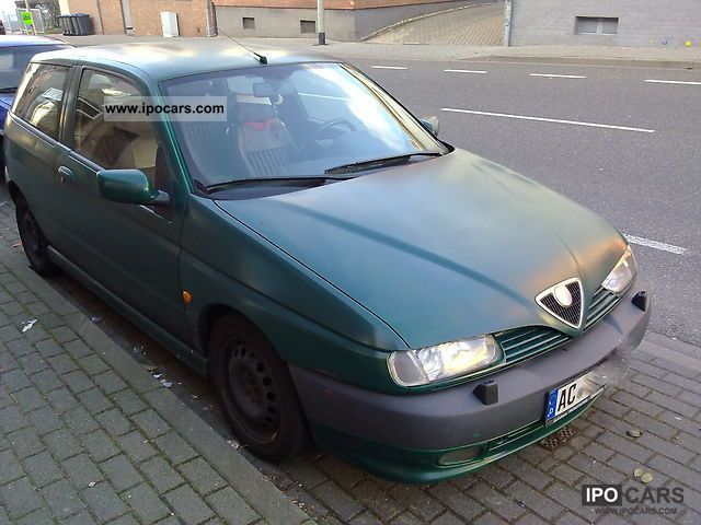 1997 Alfa Romeo  Quadrifoglio Alfa 145 - 150 bhp - full leather Sports car/Coupe Used vehicle photo