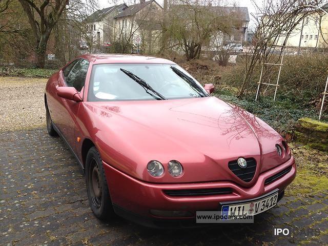 1996 Alfa Romeo  Alfa GTV 2.0 V6 TB Sports car/Coupe Used vehicle photo