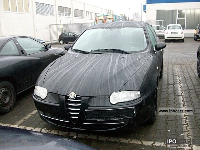 2001 Alfa Romeo  147 1.6 Twin Eco Park 5-t Limousine Used vehicle photo