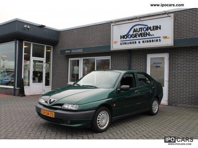 1998 Alfa Romeo  Alfa 146 1.6 Twin Spark 16v L Small Car Used vehicle photo