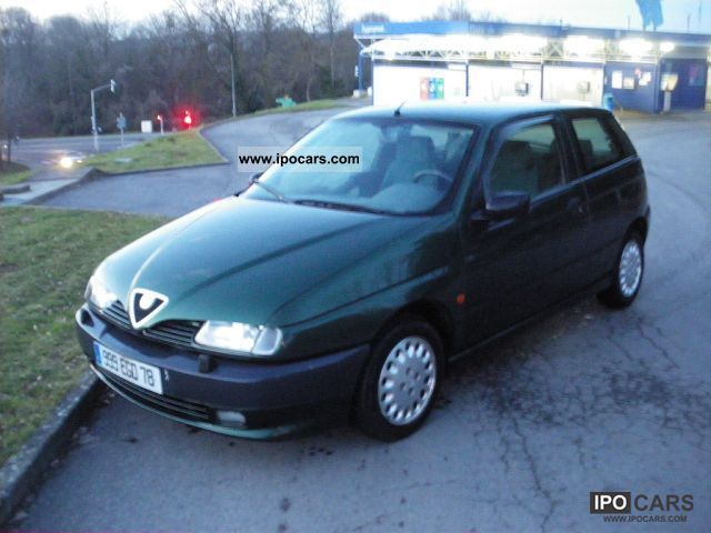 1996 Alfa Romeo  145 1.7i 16V Limousine Used vehicle photo