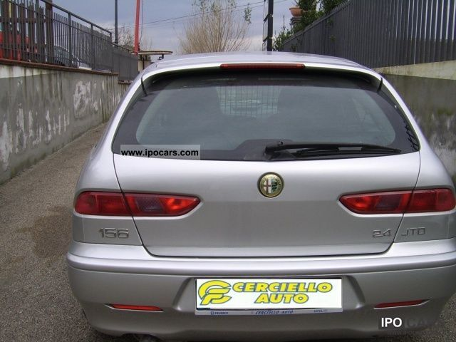 2000 Alfa Romeo  156 2.4 JTD Distinctive cat SW Estate Car Used vehicle photo