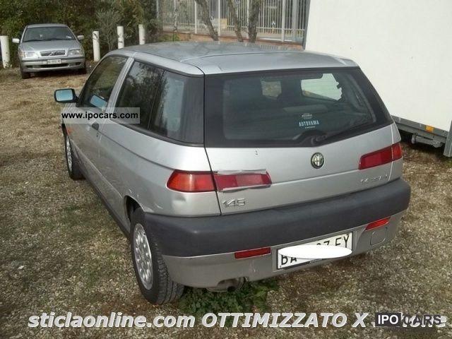 1999 Alfa Romeo  145 1.4i 16v Twin Spark cat Limousine Used vehicle photo