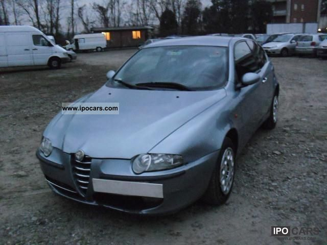 2002 alfa romeo alfa 147 1 6 twin spark distinctive car. Black Bedroom Furniture Sets. Home Design Ideas