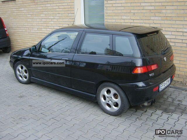 2000 Alfa Romeo  Alfa 145 1.6 2000 rok Edizione Sportive Sports car/Coupe Used vehicle photo