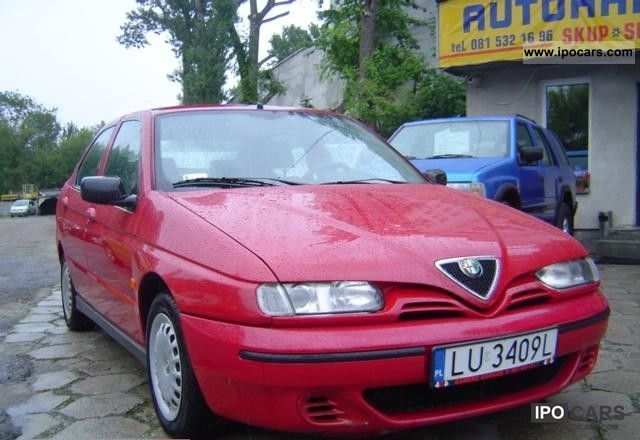 2000 Alfa Romeo  146 1.9 JTD Small Car Used vehicle photo
