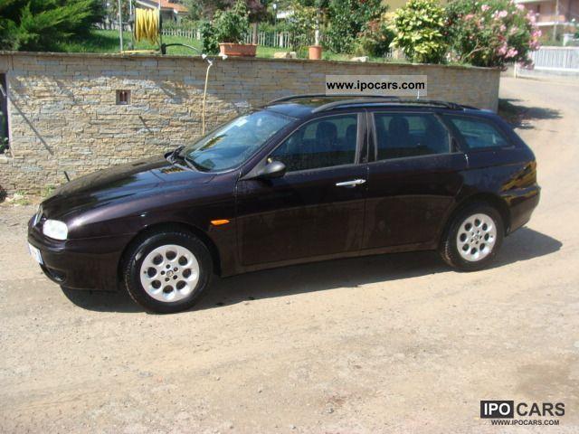 2000 Alfa Romeo  2.4 td Estate Car Used vehicle photo