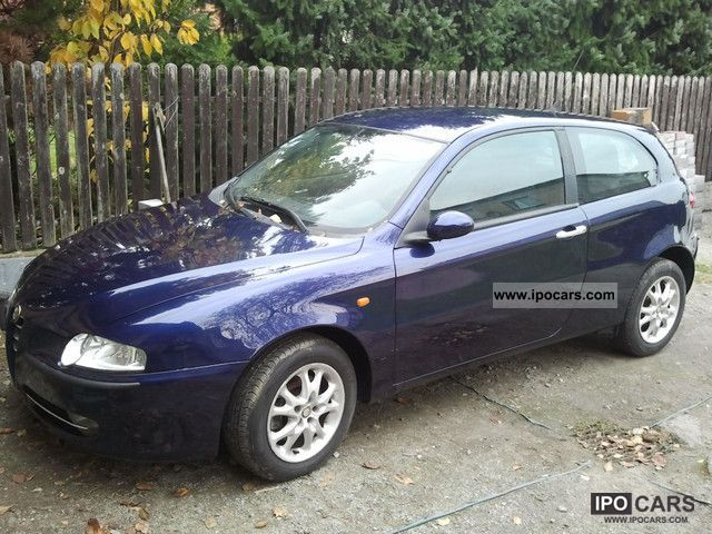 2002 Alfa Romeo  Alfa 147 Sports car/Coupe Used vehicle photo