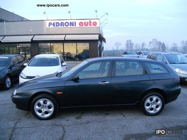2000 Alfa Romeo  156 2.0i 16V TS Selespeed cat SW Dist. Estate Car Used vehicle photo