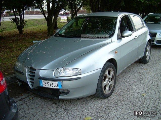 2002 Alfa Romeo  147 1.9 JTD 115CV 5.P DISTINCTIVE Limousine Used vehicle photo