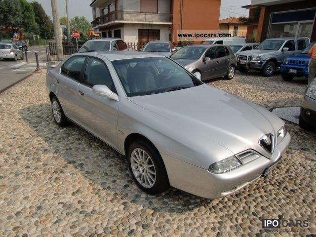 2001 Alfa Romeo  166 2.4 JTD Progression cat Limousine Used vehicle photo