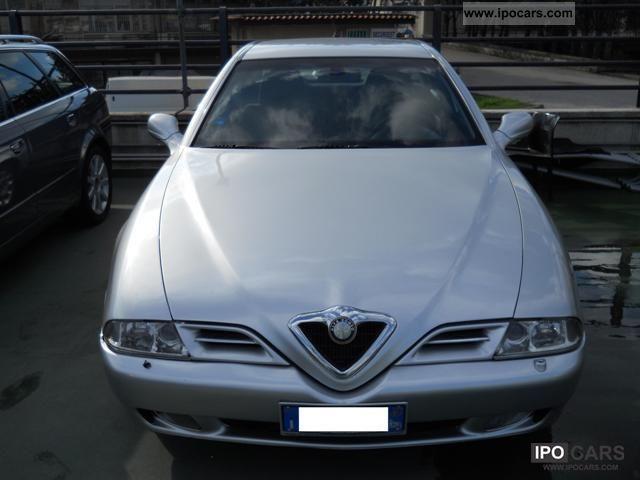 2001 Alfa Romeo  166 2.4 JTD 140CV progression Limousine Used vehicle photo