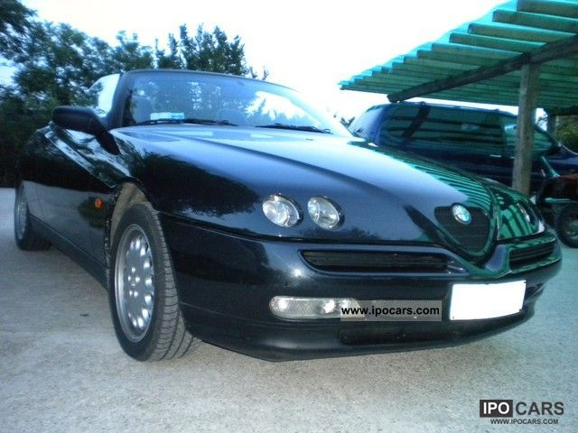 1999 Alfa Romeo  Alfa Spider 2.0 16V Cabrio / roadster Used vehicle photo