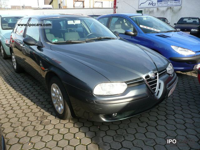 2002 alfa romeo alfa 156 sportwagon 1 6 twin spark distinctive car photo and specs. Black Bedroom Furniture Sets. Home Design Ideas