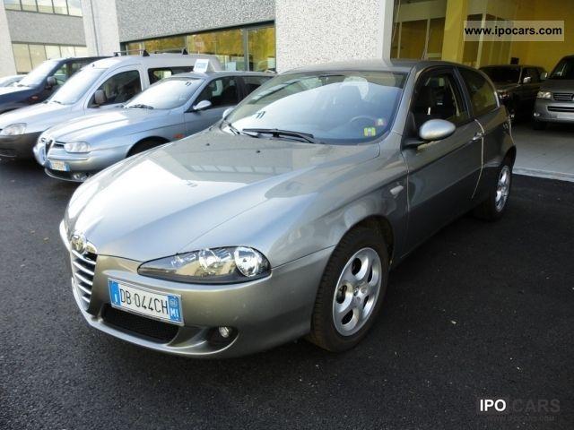 2006 Alfa Romeo  Alfa 147 Small Car Used vehicle photo