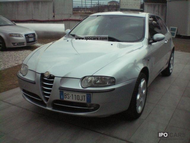 2001 Alfa Romeo  147 2.0i 16v Twin Spark cat 3p. Distinctive Limousine Used vehicle photo