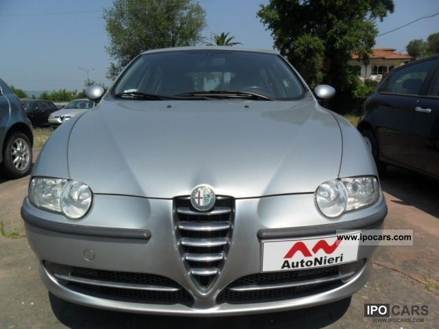 2004 Alfa Romeo  147 1.6i 16V T.S. (105 CV) cat 5p. Dist. Limousine Used vehicle photo