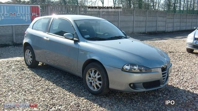 2004 alfa romeo 147 147 1 9 jtd 115 km climate control car photo and specs. Black Bedroom Furniture Sets. Home Design Ideas