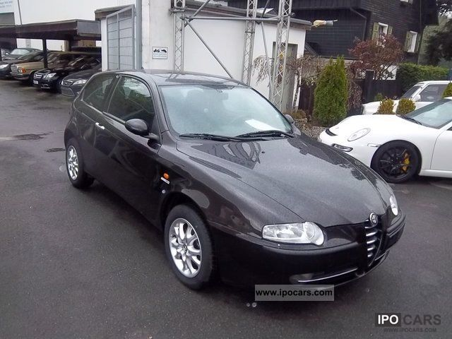 2002 alfa romeo 147 1 9 jtd climate control bose car photo and specs. Black Bedroom Furniture Sets. Home Design Ideas