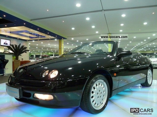 1997 Alfa Romeo  2.0 16V Twin Park L-2HD leather el.Stoffverdec TOP Cabrio / roadster Used vehicle photo