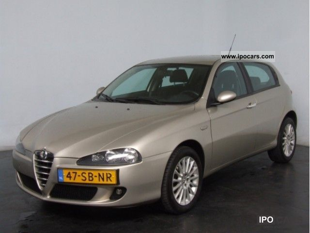 2005 Alfa Romeo  147 1.9 JTD 16V 5 150PK Drs NW Climate LM16 Fashion Limousine Used vehicle photo
