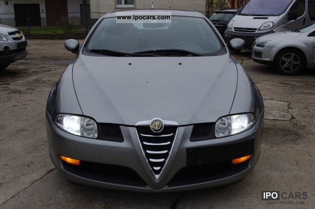 2004 Alfa Romeo Alfa GT 1.9 JTD XENON  Car Photo and Specs