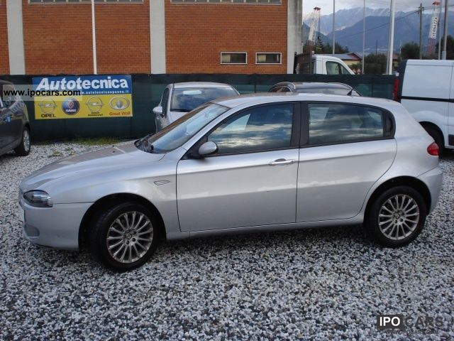 2005 Alfa Romeo  147 1.6i 16V T.S. (105 CV) cat 5p. Prog Limousine Used vehicle photo