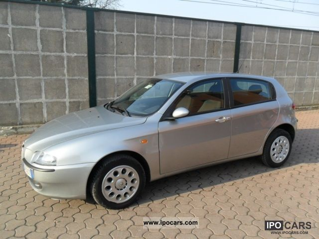 2004 Alfa Romeo  147 1.9 JTD (115 CV) 5p PROGRESSION KM.96000 STU Limousine Used vehicle photo