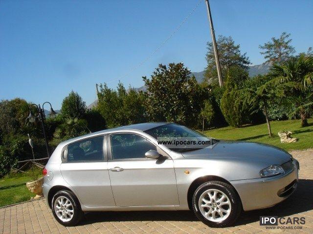 2004 Alfa Romeo  147 1.9 JTD * 5 * PORTE DICSTINTIVE / INTERNI IN Limousine Used vehicle photo