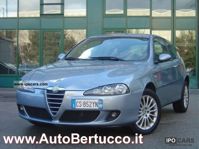 2005 alfa romeo 147 1 9 jtd 115 3 porte distinctive car photo and specs. Black Bedroom Furniture Sets. Home Design Ideas