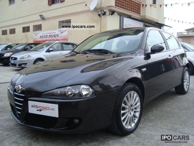 2005 alfa romeo 147 1 9 16v 150cv jtdm 5p distinctive car photo and specs. Black Bedroom Furniture Sets. Home Design Ideas