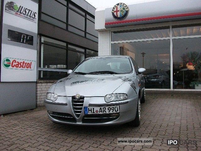 2001 Alfa Romeo  147 2.0 Distinctive Limousine Used vehicle photo