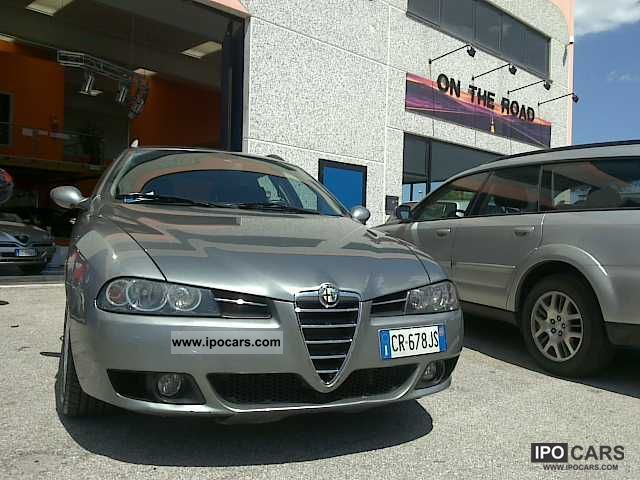 2004 Alfa Romeo  156 1.9 JTD 115CV Estate Car Used vehicle photo