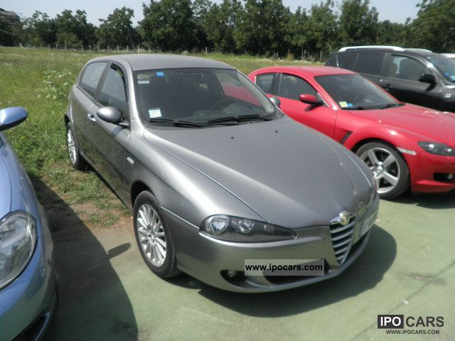 2006 Alfa Romeo  147 1.9 JTD 120CV 5pt Distinctive. Limousine Used vehicle photo