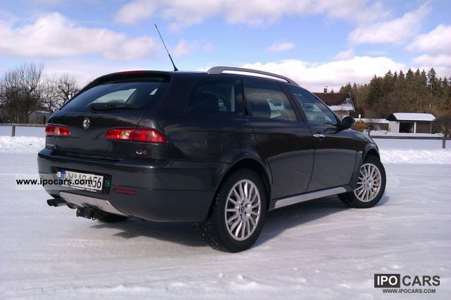 2005 Alfa Romeo  Crosswagon Estate Car Used vehicle photo