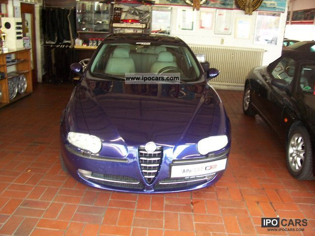 2002 Alfa Romeo  147 2.0 Twin Spark Selespeed Distinctive Limousine Used vehicle photo